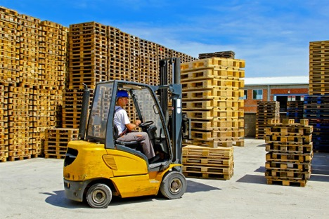 What Is a Forklift Capacity Data Plate?
